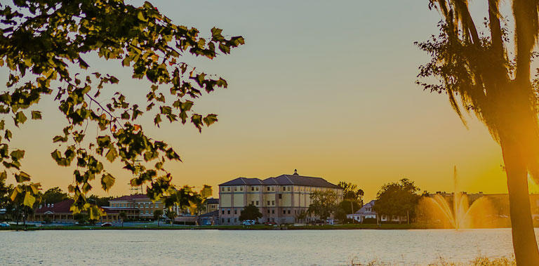EXPLORE FLORIDA'S GETAWAY SINCE 1832 mob